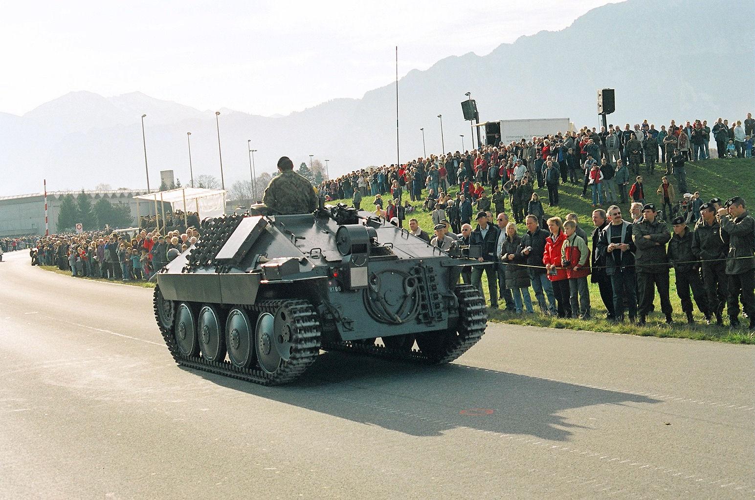 Hetzer G-13 Thun_steel-parade_2005_08_of_56