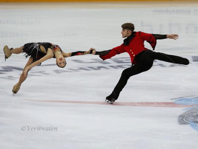 Кристина Астахова-Алексей Рогонов 339860-89e5f-84477130-m750x740-u91fb2