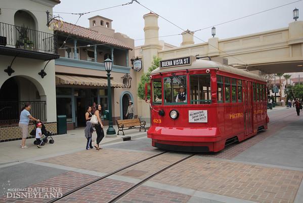 [Disney California Adventure] Placemaking: Pixar Pier, Buena Vista Street, Hollywood Land, Condor Flats - Page 17 IMG3361-M