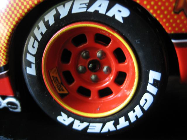 MattyCollector - Lightning McQueen 1:24 IMG_5609