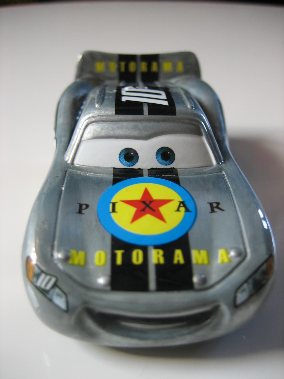 [recensement] Lightning McQueen Pixar Motorama - Page 3 IMG_7386