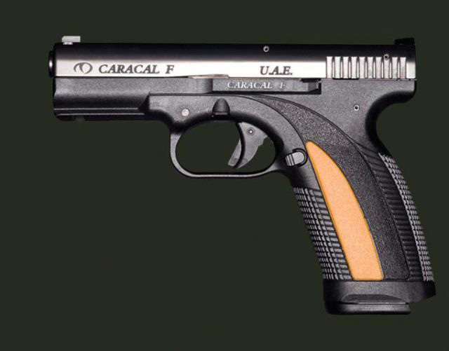 EDIT: Smith & Wesson M&P ou Glock Que choisir ? - Page 2 Caracal_F_pistol