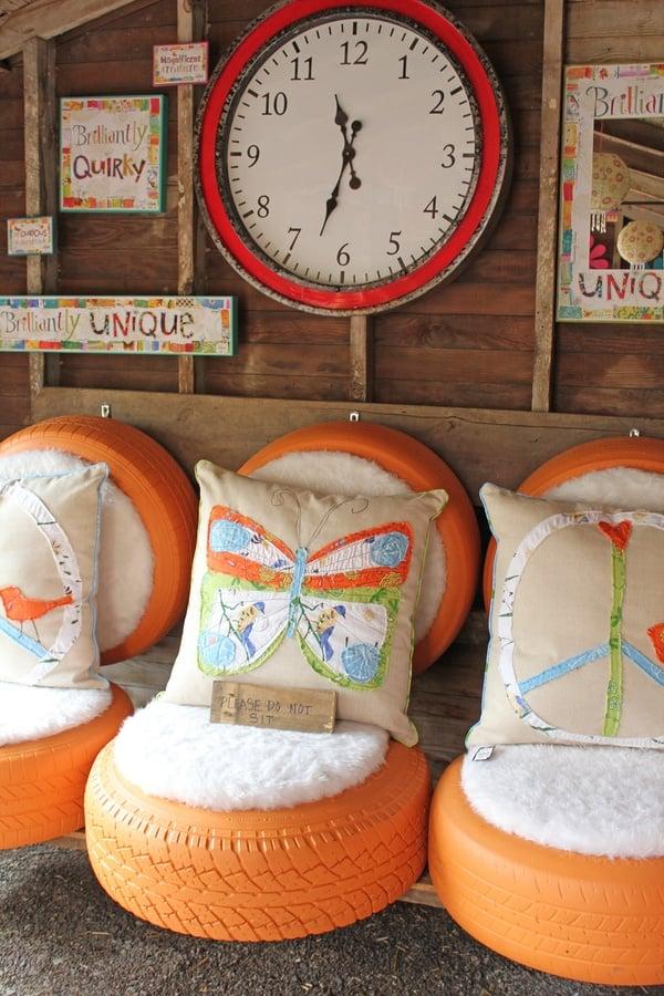 Recyclage de divers objets - Page 2 D%C3%A9co-jardin-pneus-recycl%C3%A9s-peints-orange