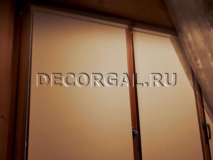 Шторы Жалюзи Карнизы от производителя! Rulonnye-shtory-mini-na-derevyannye-okna-3