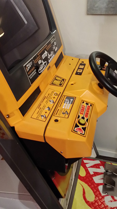 Borne Crazy Taxi upright 003