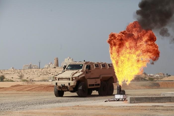شركات بناء المركبات المدرعه و المصفحه في دولة الامارات العربيه المتحده  AR-150229233-700x467