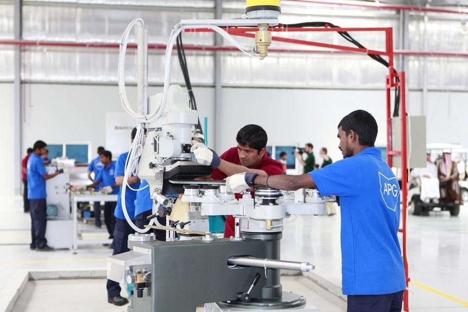 شركات بناء المركبات المدرعه و المصفحه في دولة الامارات العربيه المتحده  EP-15014229233