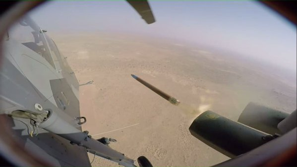 Indian Air Force (IAF): News - Page 8 Indias-Light-Combat-Helicopter-fires-first-rocket-1