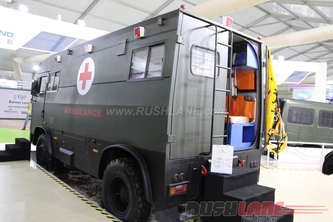 Indian Army (IA): Equipment and News - Page 5 Ashok-Leyland-4x4-Ambulance-at-2016-DefExpo-5