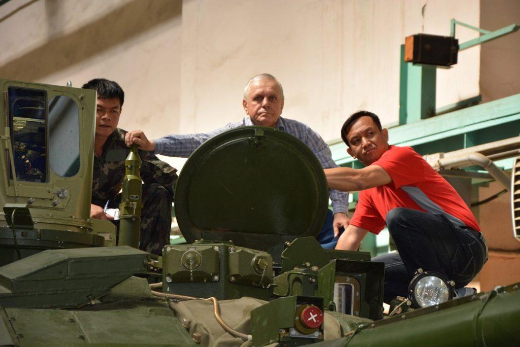 اوكرانيا تورد دفعه من دبابات T-84 Oplot-M الى تايلاند  CoSDsDaXgAAuu_I-1024x684