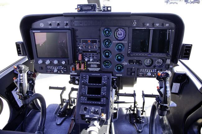 Nuevos activos EA111(BELL 407 GX) - Página 2 407AH_cockpit