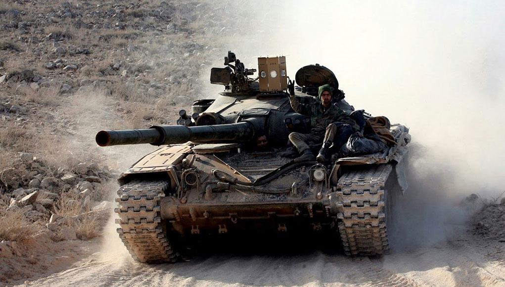 Revolucion en Siria. Syrian_t72_with_sarab-1_aps_1021