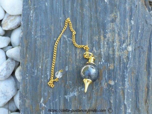 Les pendules en pierre E84a5b67