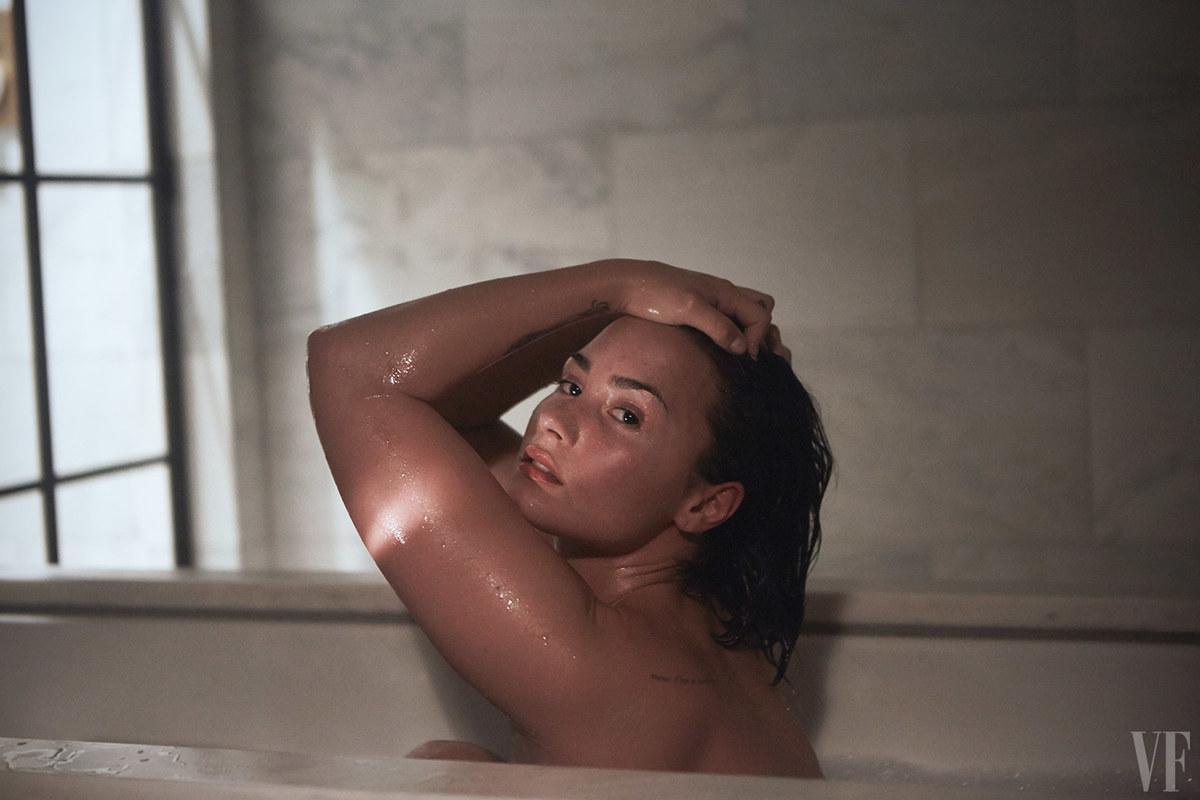 Demi Lovato >> Noticias, Redes Sociales, Vida Personal - Página 26 01