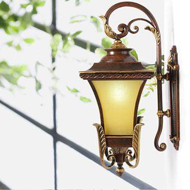 Cách lắp đặt đèn tường trang trí đẹp nhất cho không gian nhà bạn Den-tuong-trang-tri-phong-khach-co-dien