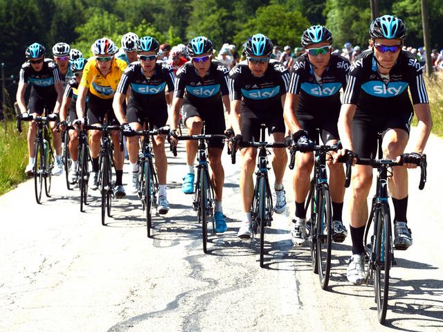 Vuelta 2017. - Page 6 TeamSkyDauphine_2778281-1