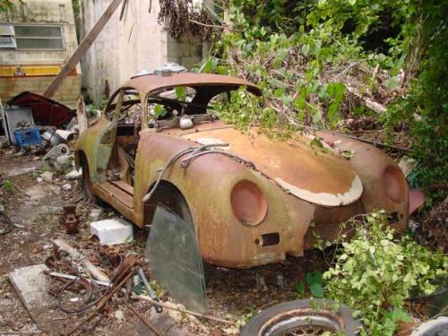 Photos de Porsche à restaurer 356Wreck01