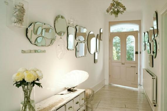 Problème aménagement couloir maison ancienne Couloir-entree-orne-miroirs-tailles-formes-variees