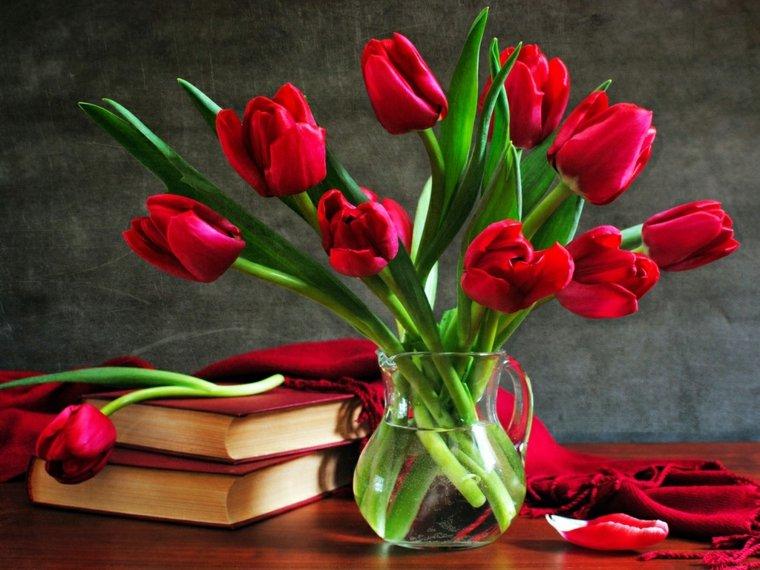 Les Saisons - Page 40 Tulipes-rouge-bouquet-fleurs