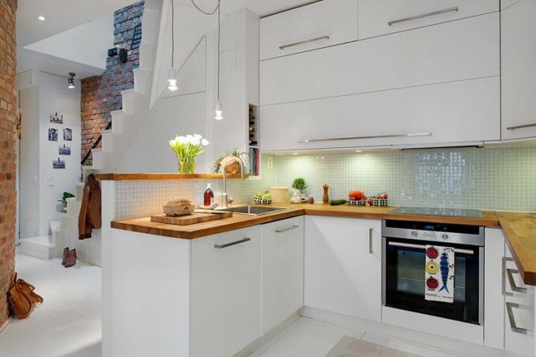 Cuisine Cuisine-blanche-et-bois-petit-espace-totems-architecture