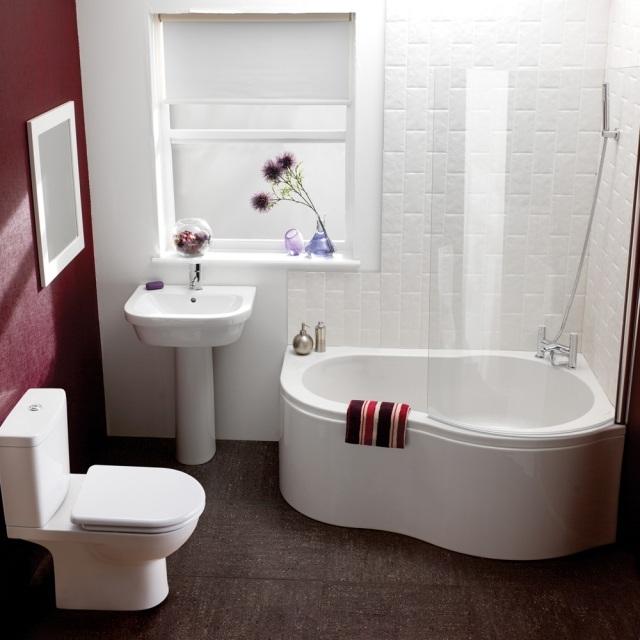 Relooking complet de ma petite salle de bain, j ai besoin d'avis :s Peinture-salle-bains-petite-mur-bordeaux-blanc-mobilier-blanc