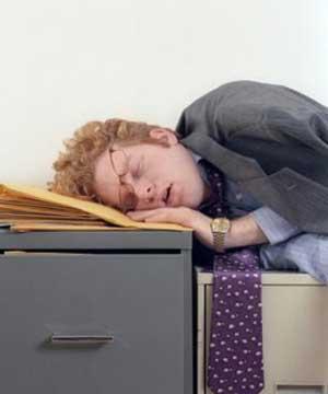 Imagens [Interessantes] Por que sentimos sono após as refeições?  Sono_depois_almoco