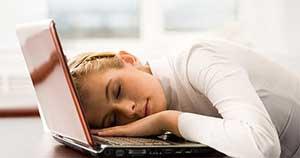 Imagens [Interessantes] Por que sentimos sono após as refeições?  Tudo_sobre_sono