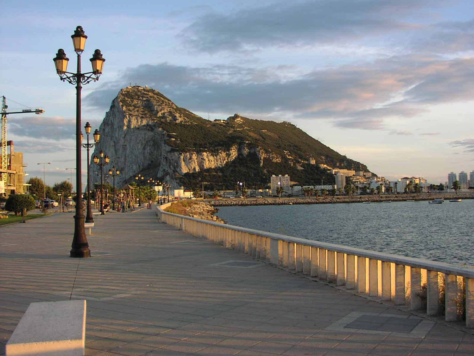 detodounpoco.achl - Página 39 Gibraltar-o-el-penon-de-gibraltar-2-120
