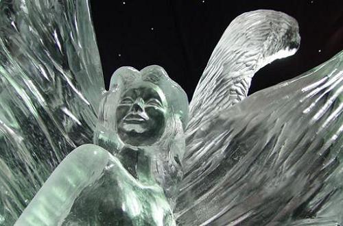 Arte efímero, esculturas en hielo y nieve Escultura-de-hielo-en-roermond