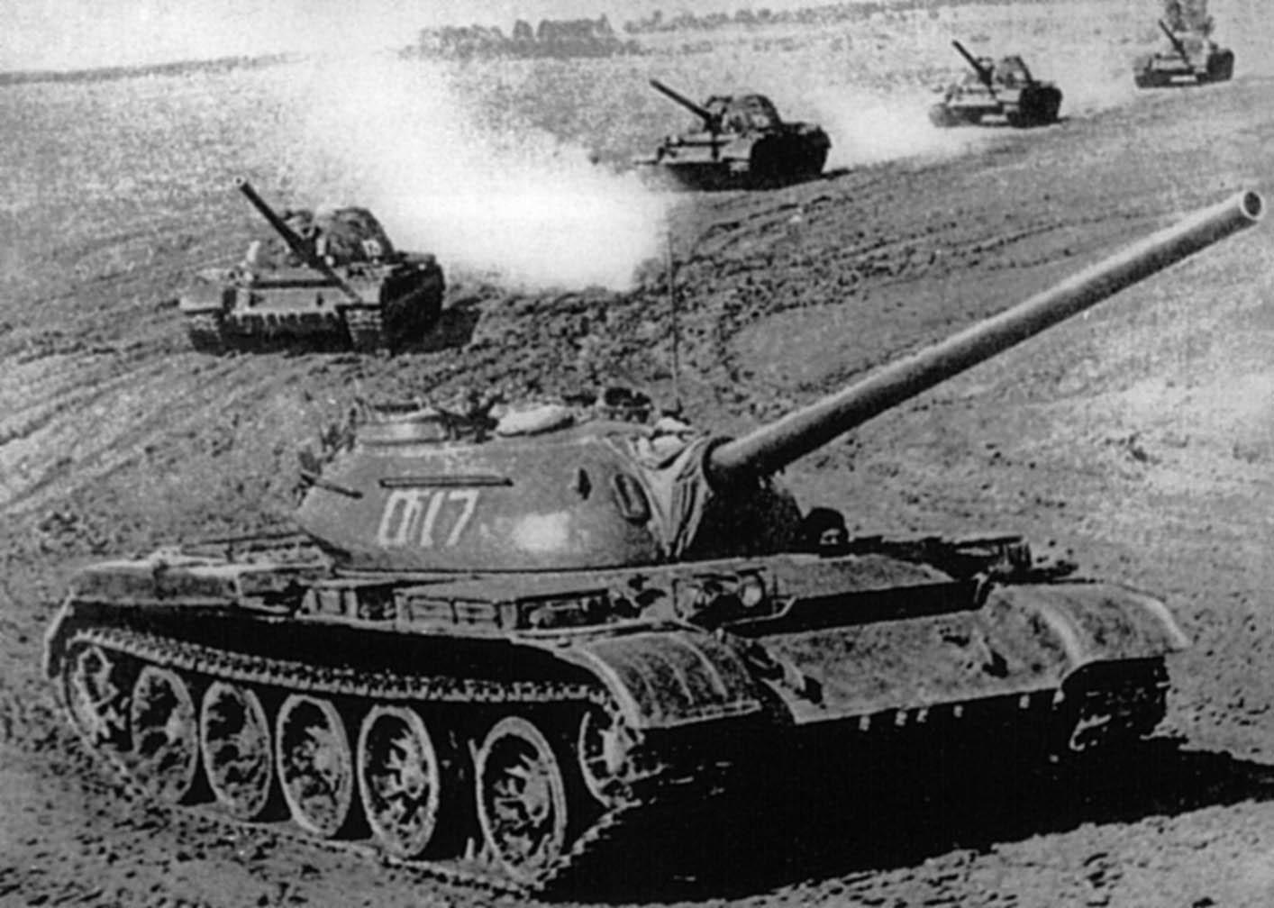 عودة التفوق الروسي البري من جديد , الحلم الروسي T-14 T-54-2_Morozov