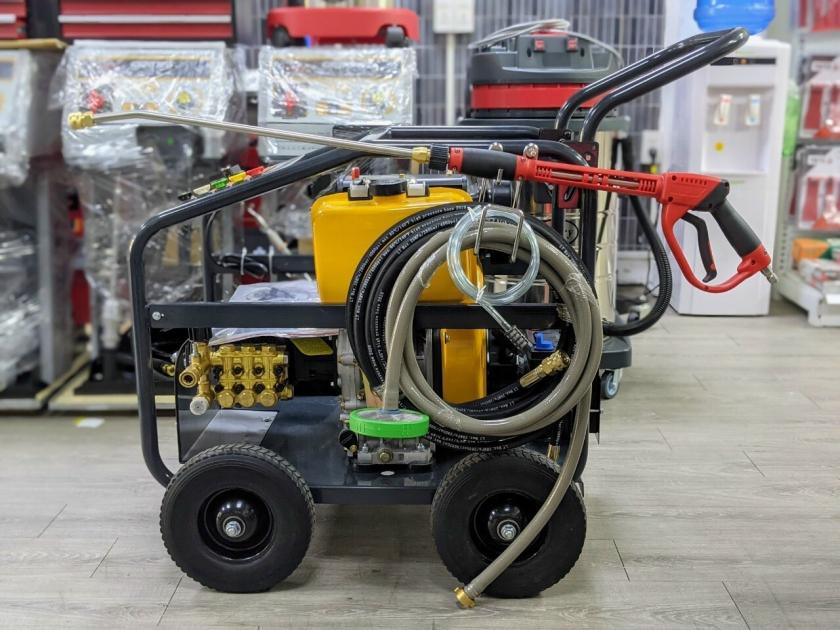 Máy rửa xe cao áp chạy dầu LUTIAN 18D35 - 10C giá rẻ 13c2219508ea4
