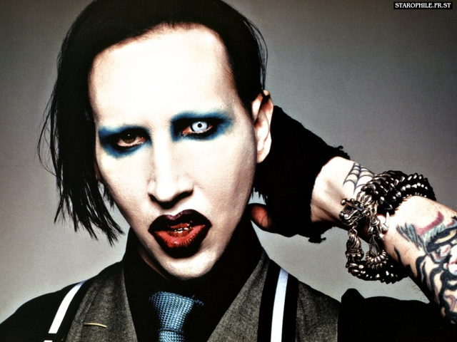 Showbiz gαme Marilyn_manson_012