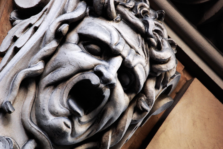 """""""Volgiti indietro, e tien lo viso chiuso: che se il Gorgon si mostra, e tu il vedessi, nulla sarebbe del tornar mai suso..."""" Medusa"""