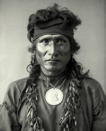 Indijanci - Page 6 Red-fish-dakota-sioux