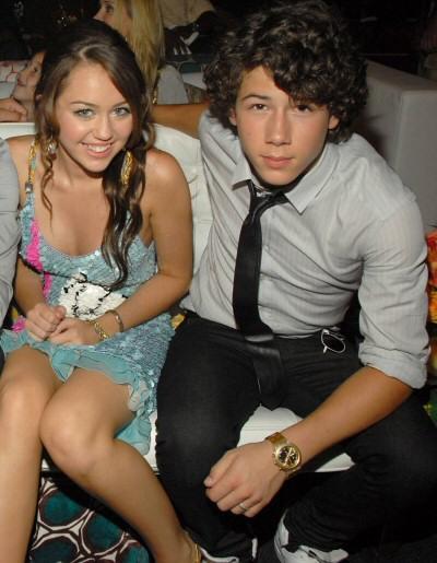 nick jonas Miley_cyrus_nick_jonas
