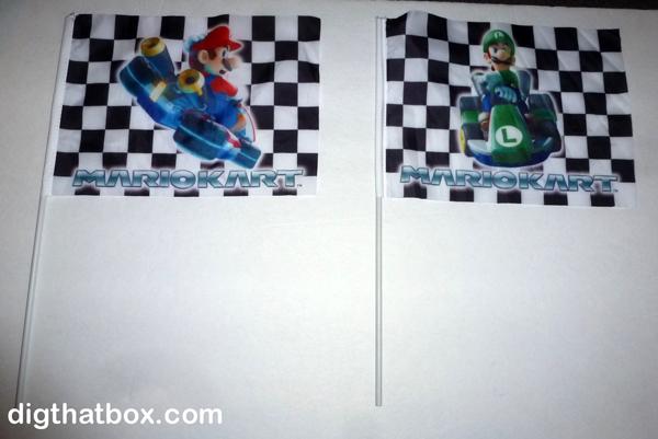 [Jeu] Association d'images Mario_Kart_Mario___Luigi_Race_Flags