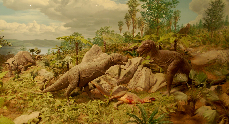 tyrannosaure avec sa proie Cretaceousdiorama