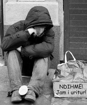 Varferia në Kosovë dhe Shqipëri-POPULLI NË VARFËRI, POLITIKANËT FLEJNË NË MILIONA 897bqa