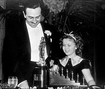 Istorija dodele Oskara  Shirley_awards