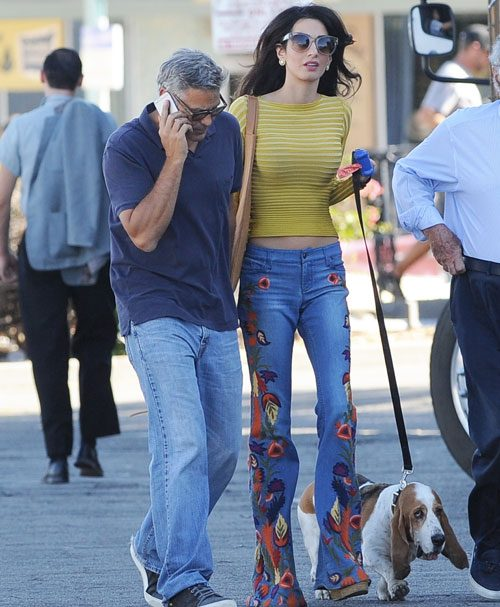 George, Amal land Millie on Surbicon set today - Page 2 Openpostamalclooneyoutfit2016-500x607