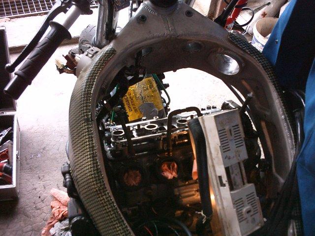 Préparation de la saison piste 2008 ( ZX6R 98 et 99 inside ) - Page 5 IMAG0644