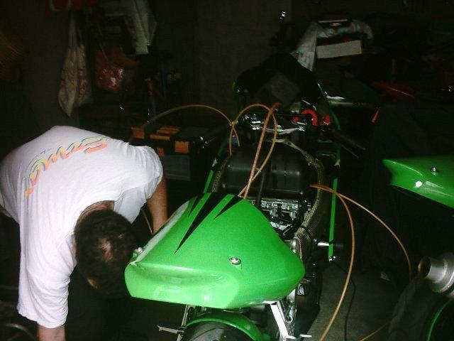 Préparation de la saison piste 2008 ( ZX6R 98 et 99 inside ) - Page 15 IMAG0833
