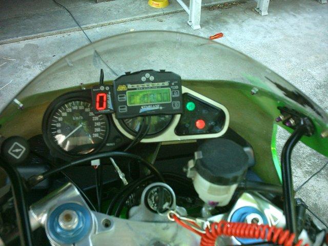 Préparation de la saison piste 2008 ( ZX6R 98 et 99 inside ) - Page 13 IMAG0863