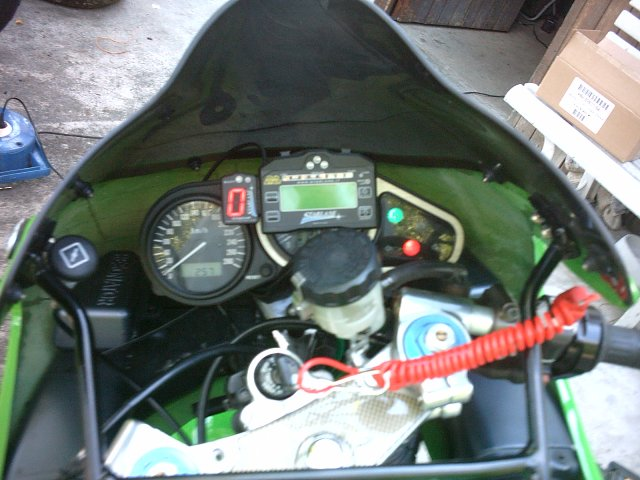 Préparation de la saison piste 2008 ( ZX6R 98 et 99 inside ) - Page 13 IMAG0864