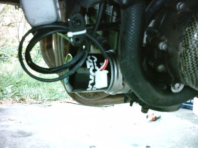 Préparation de la saison piste 2008 ( ZX6R 98 et 99 inside ) - Page 14 IMAG0903