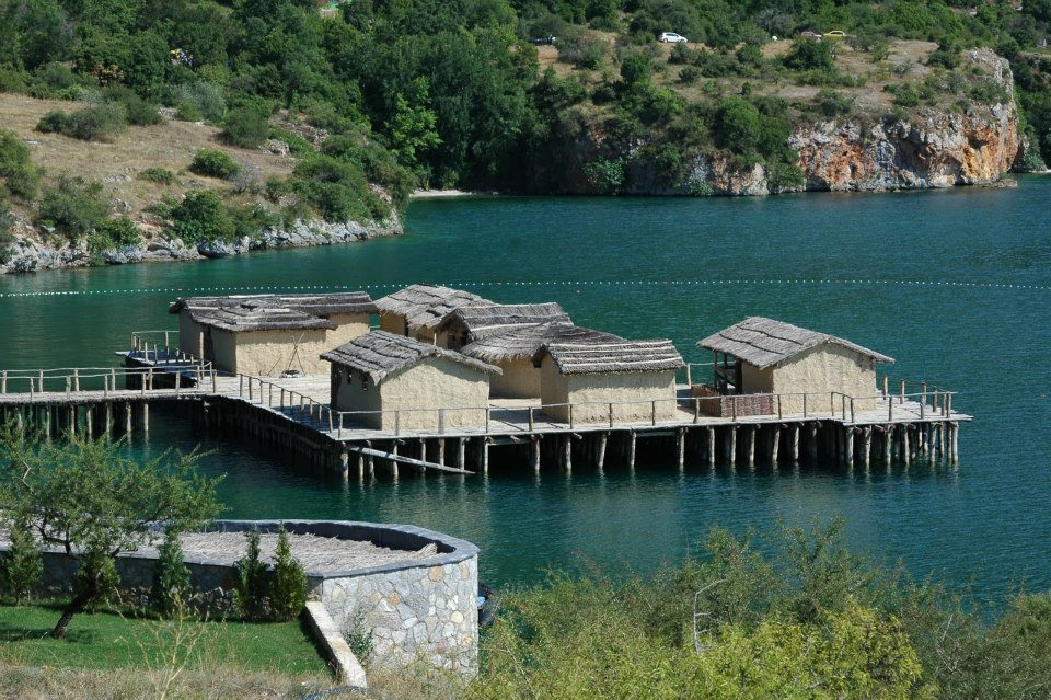 Republika Makedonija - Page 2 Ohridsko-jezero-panorama