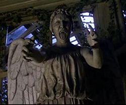Offrandes journalières - Page 2 Weepingangels