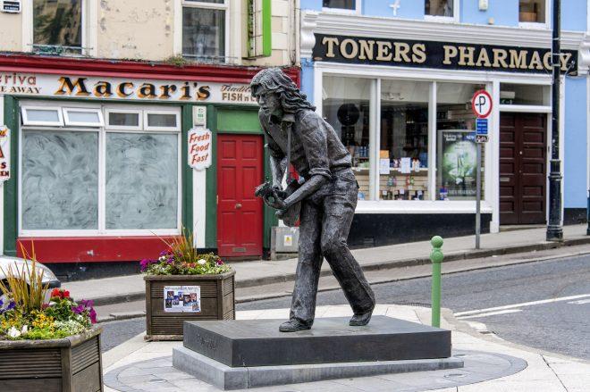 Lieux et monuments dédiés à Rory Gallagher - Page 6 Shutterstock_391162054-660x439
