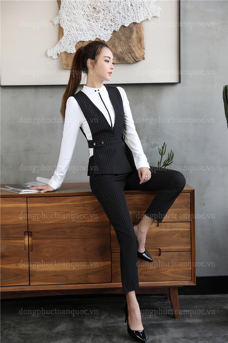 Cả tuần với  rạng rỡ mẫu đồng phục áo gile nữ văn phòng đẹp miễn chê 21%20(20)