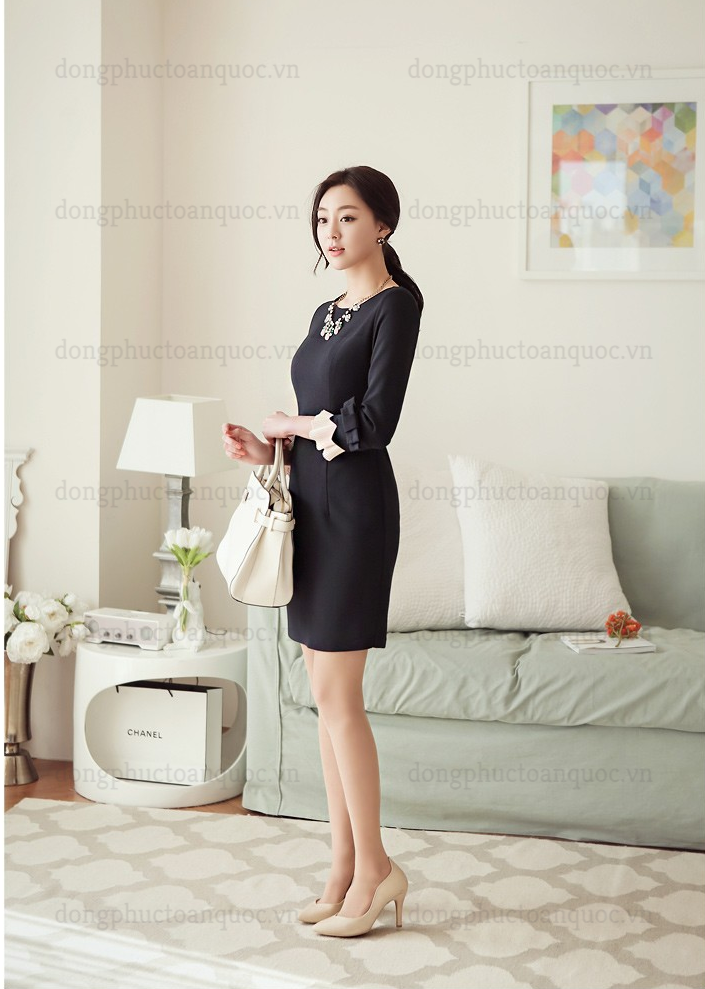 Mẫu đồng phục đầm liền thân đẹp cho bạn gái công sở diện Thu Đông 2018 79Q